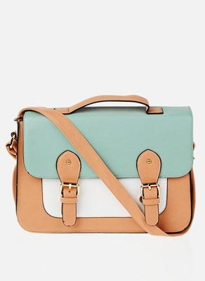 Renkli-trend-genç-tesettür-kız-çanta